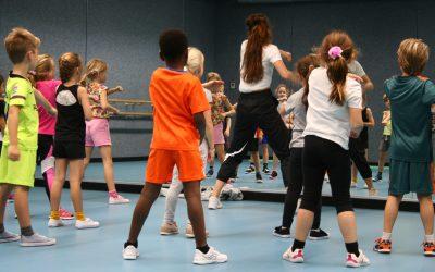 Dansschool DCF laat Ouderkerk aan de Amstel breakdancen
